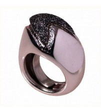 Rhodium-plated silver ring with black enamel glitter