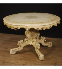 Round Venetian table in lacquered and painted wood