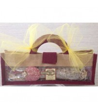 Salame Valligiano x Kg. 0,75 vacuum packed in a natural-bordeaux bag